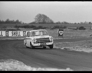 Graham Hill, Cortina